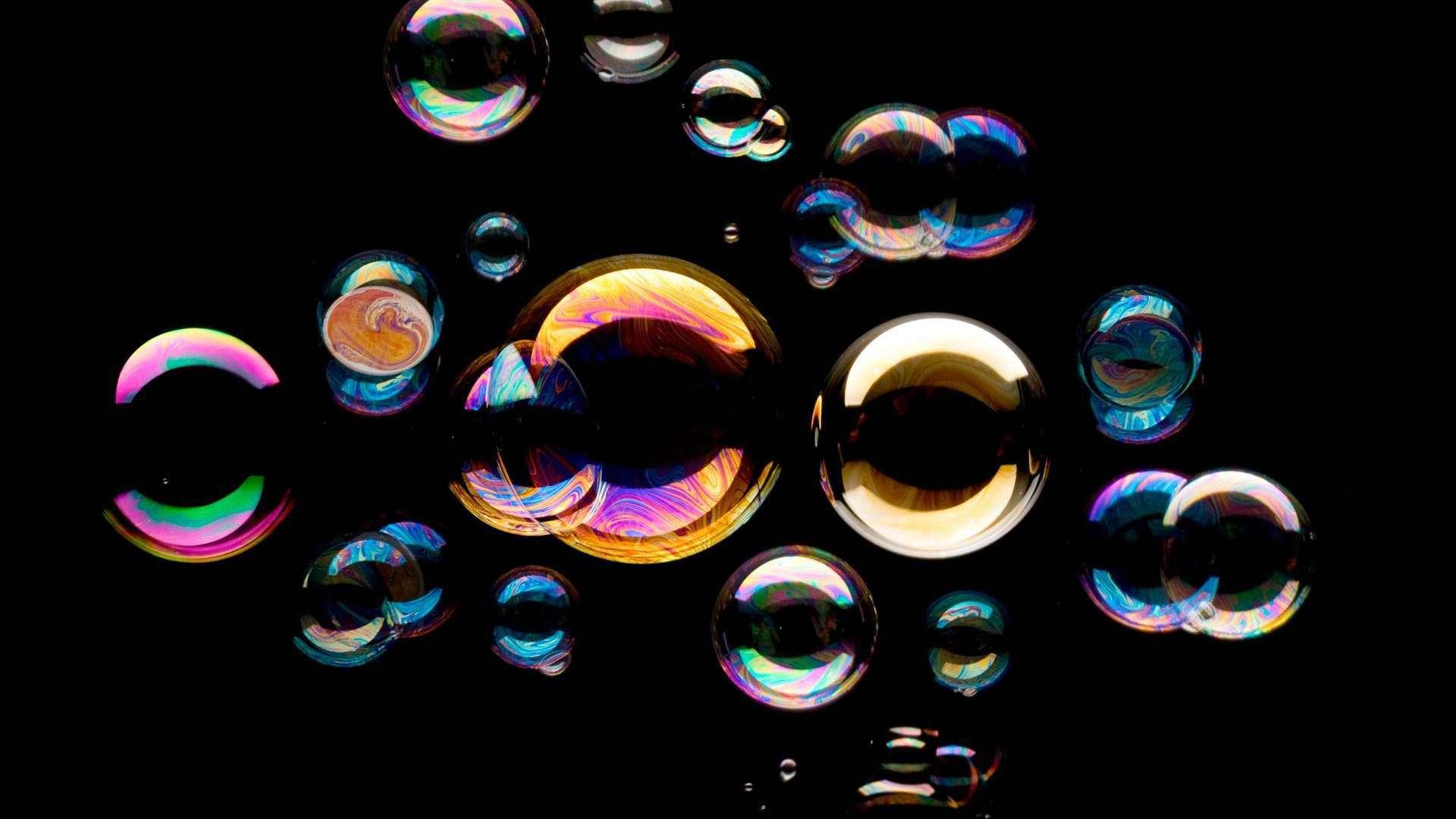 bolle di sapone fatte dalla macchina professionale