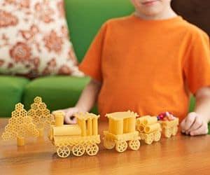 trenino di pasta per laboratorio bambini