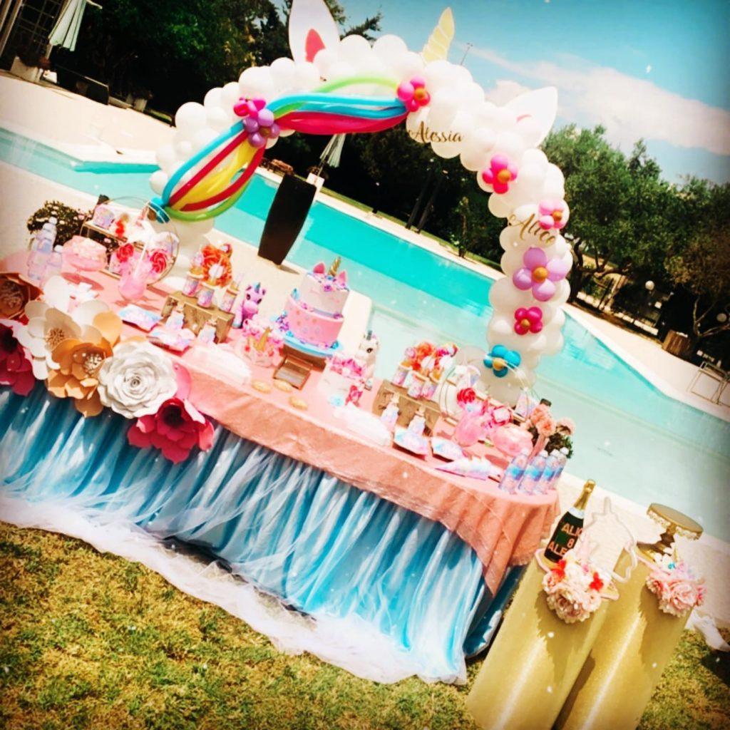 esempio di sweet-table per feste bambini a tema unicorno