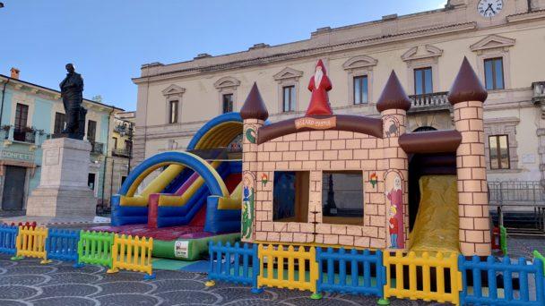 Carnevale in piazza a Nettuno con il noleggio gonfiabili