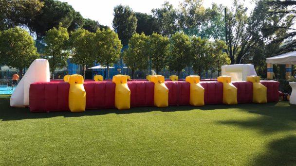 Calcio balilla umano a Trigoria per futuri calciatori