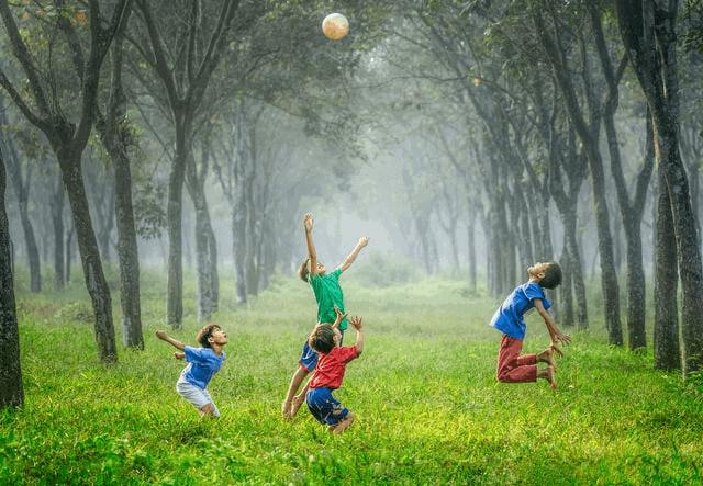 Giochi sportivi per bambini: pallavolo