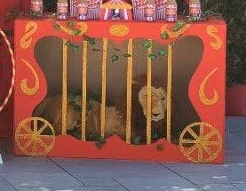 Finta gabbia per leoni da circo.