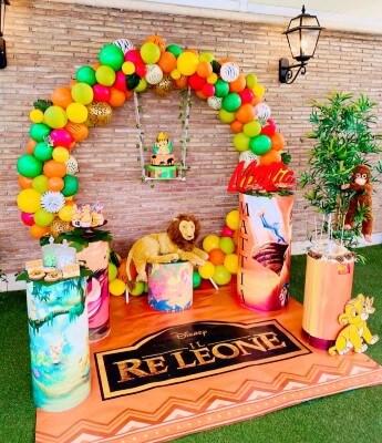 Allestimento festa a tema Re Leone.