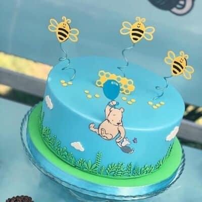 Torta di Winnie the Pooh in pasta di zucchero