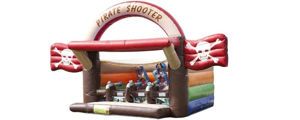 installazione del gioco gonfiabile sparapalline dei pirati