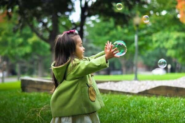 Spettacolo di bolle di sapone per bambini