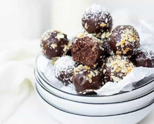 Tartufi al cioccolato come dolci di Carnevale