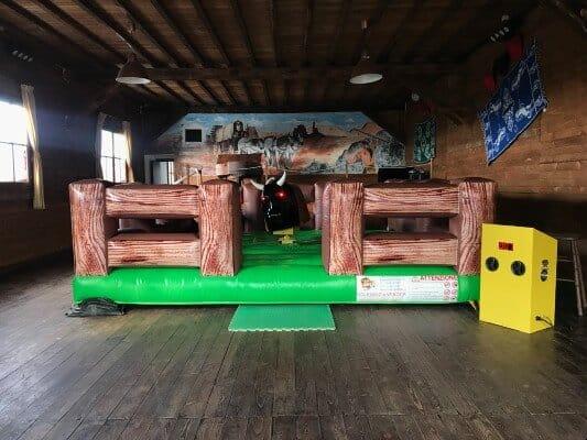 Noleggio Toro meccanico e altre attrazioni per feste